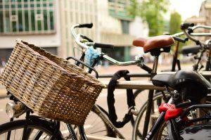 クロスバイク 通勤 自転車