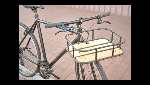 カゴかパニアバッグがリュックサックかクロスバイクの荷物